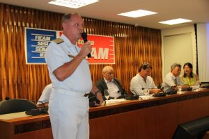 Vice-almirante Hecht na Reunião de Diretoria da FIEAM